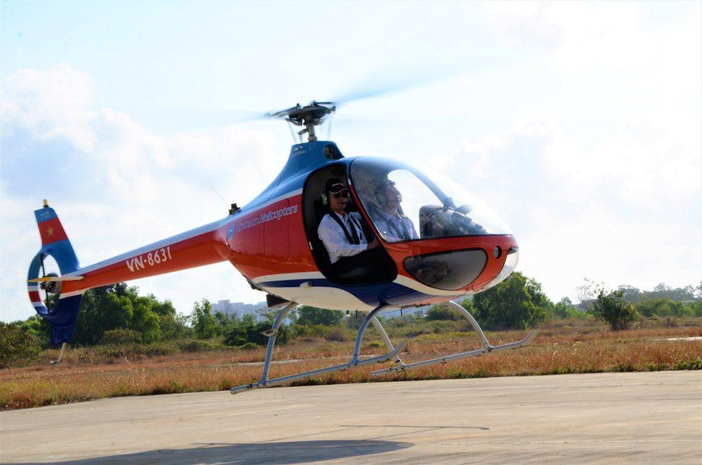 Bay cùng đam mê với trực thăng Cabri G2